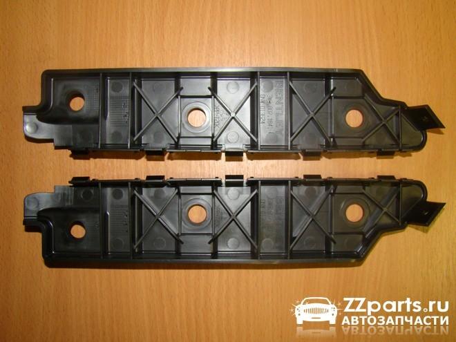 Крепление бампера левое и правое на пластик крылья (полоска) для Bentley. Оригинал.